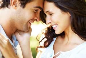 8 طرق لاثارة الرجل باللمس