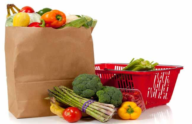 شراء وانتقاء المواد الغذائية من الأسواق