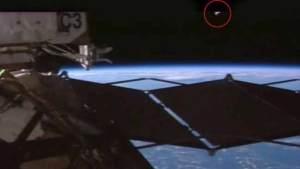 هل تخفي ناسا أدلة حول مراقبة الكائنات الفضائية للمحطة الدولية ؟