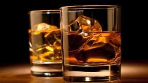الامتناع عن تناول الكحول تماما يسبب قصر العمر