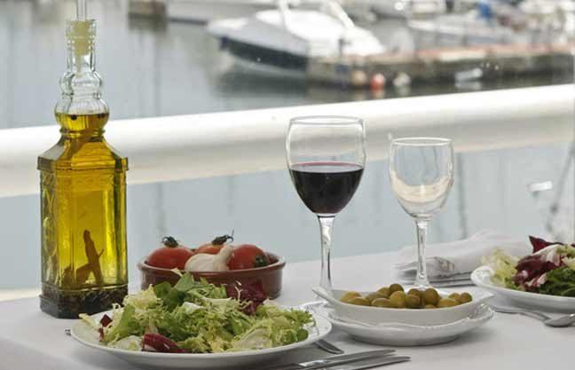حمية البحر الأبيض المتوسط تقي من الإصابة بالنوبة القلبية