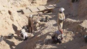 العثور على معبد الفرعون نيكتانيبو الأول في القاهرة