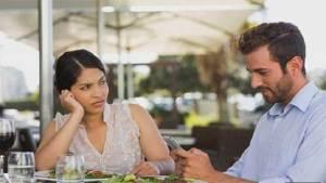 دراسة نفسية: تفحص الهاتف باستمرار دليل انعدام الصبر والبحث عن إشباع الملذات الفورية