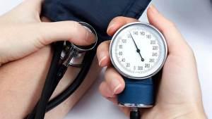 تناول الكحول يسبب ارتفاع مستوى ضغط الدم