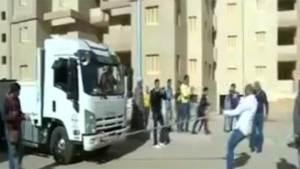 مصري قوته تعادل 360 حصانا ولا يقتله الرصاص ولا ينام
