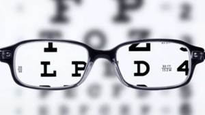 نصف سكان العالم معرضون للإصابة بقصر النظر