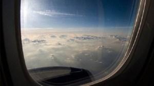 ما سر ترك ستائر نوافذ الطائرة مفتوحة عند الإقلاع والهبوط؟