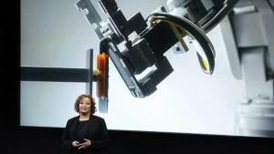 أبل تكشف روبوتا يستطيع تفكيك هاتف آيفون في 11 ثانية!