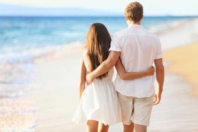 هل يفضل الرجل الارتباط بالمرأة القصيرة أم الطويلة؟