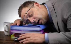 قلة النوم تؤدي إلى الإصابة بأمراض معدية