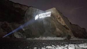 """تنظيم حملة """"أهلا باللاجئين"""" ضد احتجاجات الفاشيين في بريطانيا"""