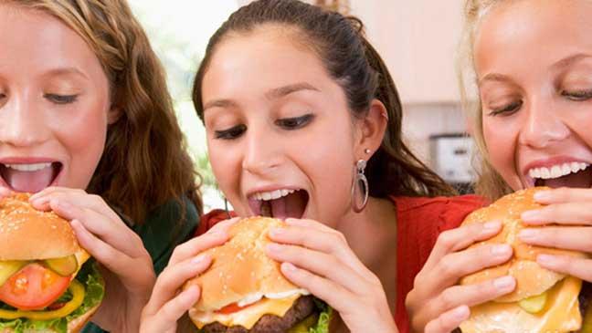 ما الرابط بين غذاء الفتيات في سن المراهقة وسرطان الثدي؟