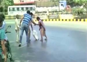 حرارة الهند تذيب شوارعها