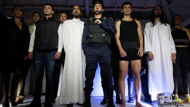 أزياء مضادة للرصاص والعاهل الأردني بين أصحابها