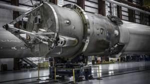 سبيس إكس تسعى لإعادة إطلاق صاروخ فالكون 9