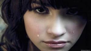 لماذا تعلم الإنسان البكاء في مسيرة تطوره؟