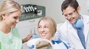 تنظيف و تبييض الأسنان