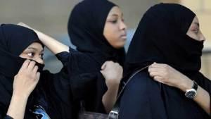 سعوديات يشعلن جدلا واسعا في المملكة بمطالب جريئة