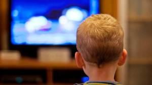 ما علاقة التلفاز بهشاشة العظام لدى الأطفال؟