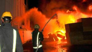 مواطن سعودي يحرق فندقا ليقتل زوجته