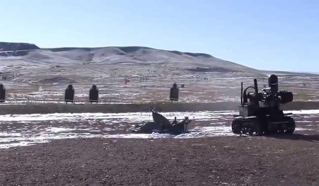 روبوت للجيش الأمريكي يقذف القنابل ويحمل الجرحى