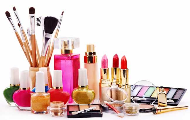 متى تصبح ادوات التجميل غير صالحة للإستعمال؟