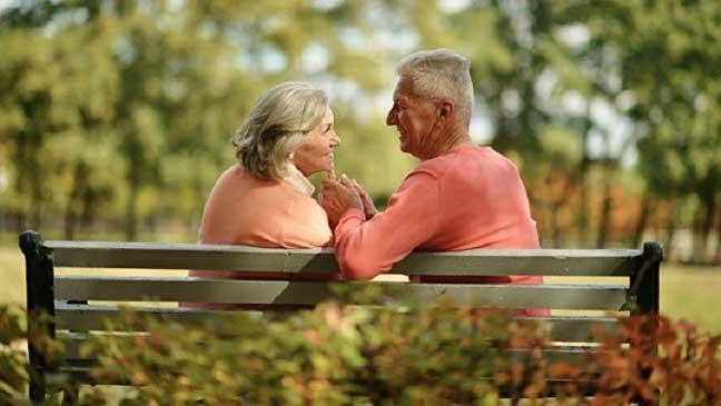 ممارسة الجنس في سن الشيخوخة تشكل خطرا على الرجال