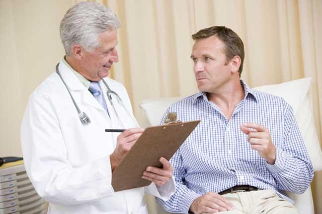 تسعة أسئلة اطرحها على طبيبك والسبب؟