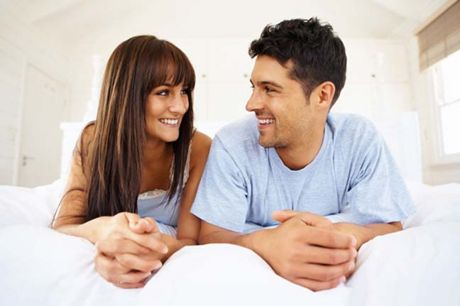 تصرفات عفوية يعشقها الرجل في المرأة