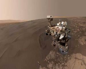 سيلفي بتقنية 360 درجة لمسبار كيريوسيتي على سطح المريخ