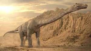 ديناصور طويل العنق