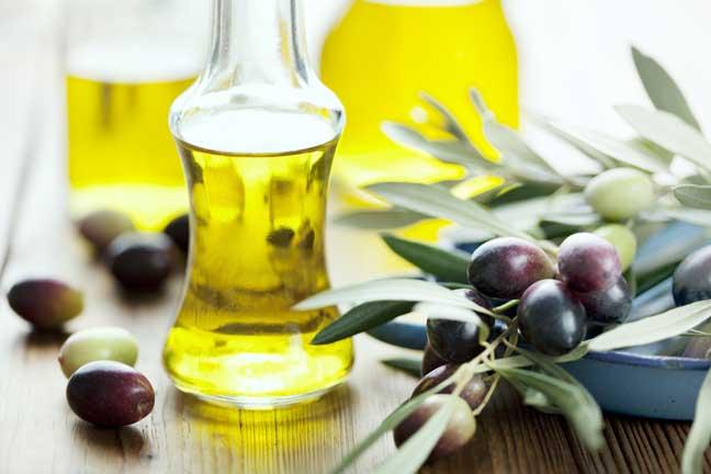 كيف تكشف زيت الزيتون الأصلي؟ هذه فوائده وأنواعه