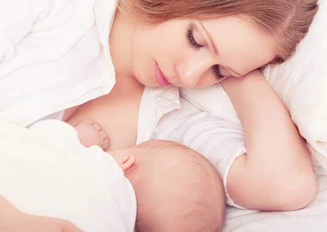 لهذه الأسباب.. يرفض طفلك الرضاعة الطبيعية
