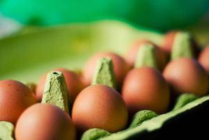 ما العلاقة بين البيض والكولسترول ؟