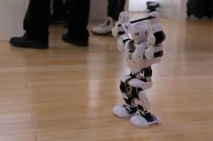 """الروبوت """"سالتو"""": صغير الحجم .. كثير القفز"""