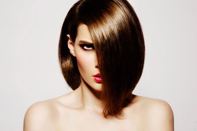غسل الشعر باستمرار ليس له علاقة بظهور الشعر الدهني