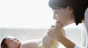 طعام الأم المرضع خلال الإرضاع الوالدي