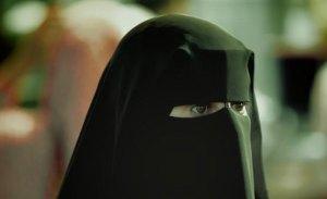 احتدام الجدل في المغرب حول منع البرقع