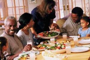 كيف تتجنب التسمم الغذائي في رمضان ؟