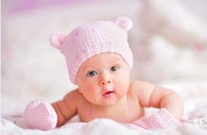 كيف تختبر قدرات السمع لدى الطفل حديث الولادة؟