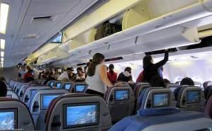 نصائح خلال رحلات الطيران الطويلة