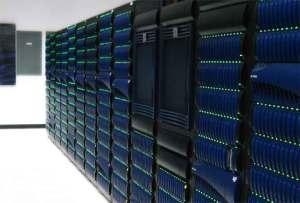 علماء يصنعون كمبيوترا بحجم ملعب كرة قدم