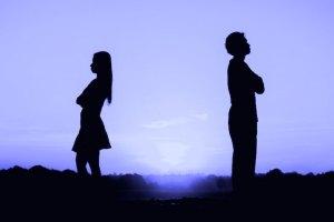 أربع علامات تدل على ضرورة إنهاء علاقتك بشريك حياتك