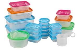 أطعمة لا يجب أن تحفظها في علب بلاستيكية