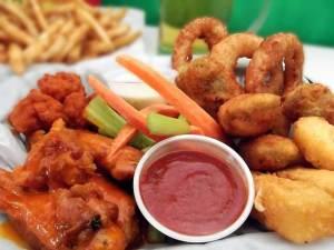 ستة أطعمة ينصحك خبراء التغذية بتجنبها
