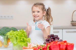 كيف تحسّنين نظام طفلك الغذائي؟