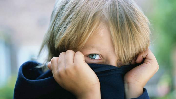 الخجل عند الأطفال
