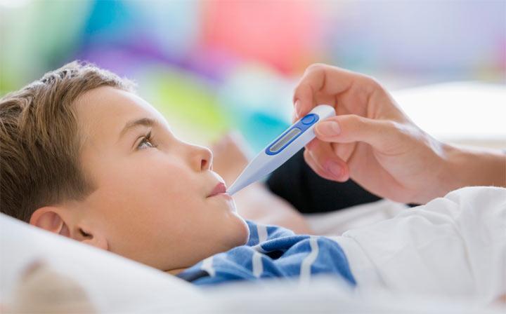 أبرز طرق علاج الاستفراغ عند الأطفال عمر ثلاث سنوات