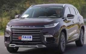 """""""شبيهة Rang Rover"""" الصينية تغزو أسواق روسيا والعالم"""