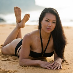 asian-model-on-beach